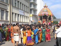 Foto: Hindu-Prozession in Adliswil